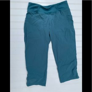 Mountain Hardwear Dynama Capri Pants XS Activewear